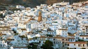 Allgemeine Ansicht einer Stadt in Andalusien, Spanien Lizenzfreie Stockbilder