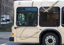 Allgemeine Durchfahrt-Bus Stockfotografie