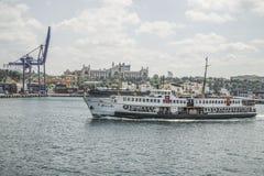 Allgemeine Fähre führt Fracht-Hafen in Istanbul, die Türkei Lizenzfreies Stockfoto