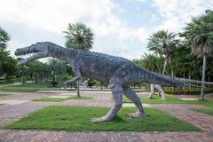 Allgemeine Parks von Statuen und von Dinosaurier in KHONKEAN, THAILAND stockfotografie