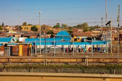 Allgemeine Pendlerschienen-Weisenlinie in Soweto Lizenzfreie Stockfotos