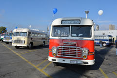 Allgemeiner Tag der offenen Tür auf 40-jährigem Bus-Depot Cinkota XVIII Stockbild