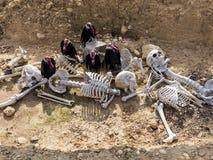 Allhelgonaaftonsammansättning med skelett Arkivfoton