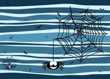 Allhelgonaaftonstripeybakgrund med att le spindeln, spindelnätet och slagträn Arkivbild