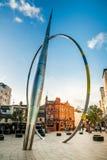 Alliance, beeldhouwwerk in het centrum van Cardiff, Wales Stock Fotografie
