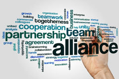 Alliance esprime il concetto della nuvola su fondo grigio Fotografia Stock Libera da Diritti