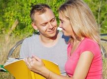 Allievi amorosi Fotografia Stock Libera da Diritti