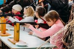 Allievi bielorussi irriconoscibili della scuola secondaria Fotografia Stock Libera da Diritti
