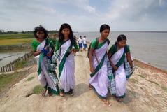 Allievi del banco al villaggio indiano Fotografia Stock Libera da Diritti