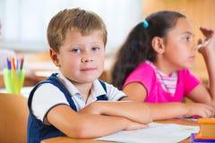 Allievi felici alla scuola Immagini Stock Libere da Diritti