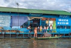 Allievi sulla scuola di galleggiamento Fotografia Stock Libera da Diritti