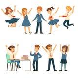 Allievi svegli in uniforme scolastico blu divertendosi all'insieme della scuola, di nuovo alla scuola, vettore variopinto di conc Fotografia Stock