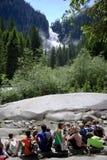 Allievi vicino alle cascate di Krimml, Austria Fotografie Stock Libere da Diritti