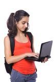 Allievo adolescente che lavora al computer portatile Fotografie Stock