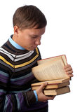 Allievo che legge un libro Fotografie Stock Libere da Diritti