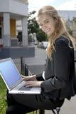 Allievo con il computer portatile Immagine Stock Libera da Diritti