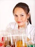 Allievo di chimica con la boccetta. Immagine Stock Libera da Diritti