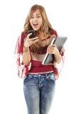 Allievo femminile che texting Immagine Stock