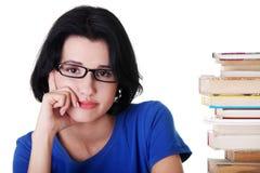 Allievo femminile triste con le difficoltà di apprendimento Fotografia Stock