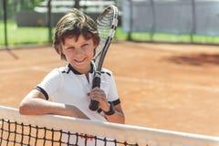 Allievo sorridente felice che va per lo sport Fotografie Stock Libere da Diritti