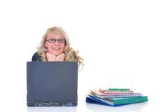 Allievo teenager che lavora al computer portatile Fotografie Stock