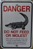 alligators do feed όχι σημάδι Στοκ Εικόνες