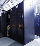 Allinea i supercomputer nella stanza del server Immagini Stock