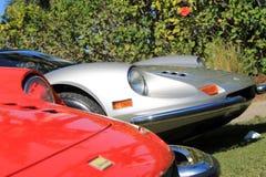 Allineamento d'argento rosso di Ferrari Dino Fotografia Stock