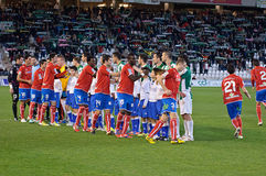 Allineamento iniziale dei giocatori durante la lega Cordova della partita (W) contro Numancia (r) (1-0) allo Stadiu comunale Immagini Stock