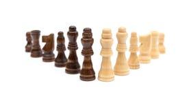 Allineamento nero e marrone dei chesses Fotografie Stock