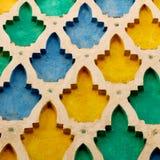allini nelle vecchie mattonelle del Marocco Africa e nel abst ceramico colorated del pavimento Fotografia Stock