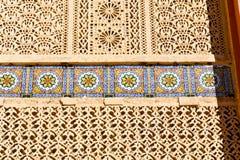 allini nelle vecchie mattonelle del Marocco Africa e nell'estratto colorated Fotografie Stock Libere da Diritti