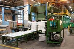 Allini per l'imballaggio e l'imballaggio del prodotto chimico, fibra artificiale e sintetica di fibra acrilica ad un prodotto chi fotografie stock libere da diritti