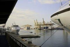 Allmän sikt av den Barcelona hamnen, Spanien Arkivbild