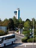 Allmän sikt av den Sarafovo flygplatsen Arkivfoto