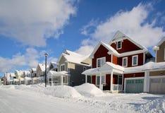 Allmän sikt av en gata efter en snöstorm Arkivbild