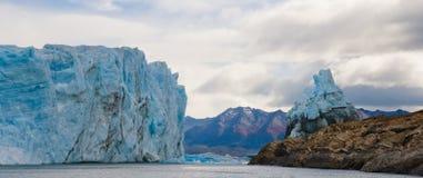 Allmän sikt av Peritoen Moreno Glacier arenaceous Landskap Arkivfoto