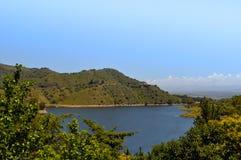 Allmän sikt av sjön Embalse Dique los Molinos i Cordoba royaltyfri fotografi