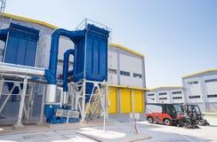 Allmän sikt i en återvinningavfalls till energifabriken arkivfoton