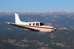 Allmänt flyg - Piper Saratoga Aircraft Fotografering för Bildbyråer