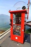Allo Claude sztuki instalacja paskalem Bettex przy Quai De Los angeles Rouvenaz na bankach Jeziorny Genewa, Szwajcaria Zdjęcie Stock