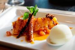Allo sciroppo cucinato ananas arrostito Fotografia Stock Libera da Diritti