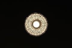 Allo scuro una lampada con il picchiettio piacevole Fotografia Stock Libera da Diritti