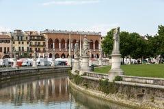 Alloggi Amulea nella grande piazza del della Valle di Prato anche conosciuta come il ` Duodo Palazzo Zacco di Ca a Padova, Fotografie Stock