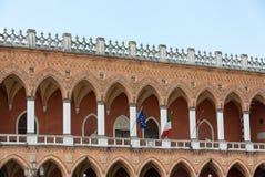 Alloggi Amulea nella grande piazza del della Valle di Prato anche conosciuta come il ` Duodo Palazzo Zacco di Ca a Padova, Immagine Stock