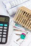 Alloggi in costruzione, chiavi, calcolatore, valuta polacca e disegni elettrici, concetto della casa della costruzione Immagini Stock Libere da Diritti