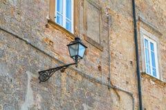Alloggi i dettagli, vie strette della città di Volterra Fotografie Stock Libere da Diritti