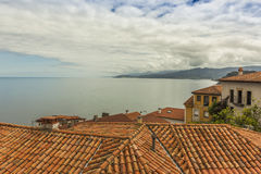 Alloggi i tetti del villaggio costiero del marinaio di Lastres in Asturie Fotografia Stock