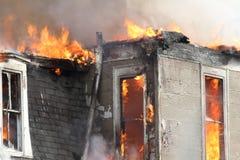 Alloggi il burning, Montezuma, Iowa, ringraziamento Immagine Stock
