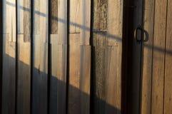 Alloggi il concetto duro della mobilia del laccquer di legno domestico del tek Immagini Stock Libere da Diritti